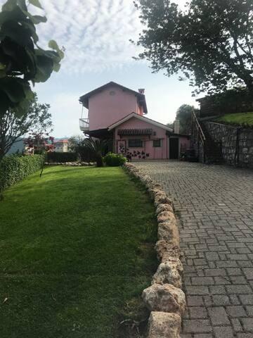 Romantica villa in collina alle spalle di Alassio