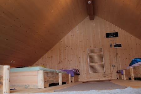 Mehrbettzimmer im Dachgeschoss - Hundsdorf