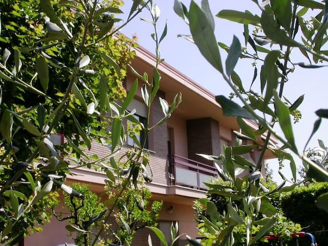 Arcobaleno B. & B. - Civitanova Marche - Bed & Breakfast