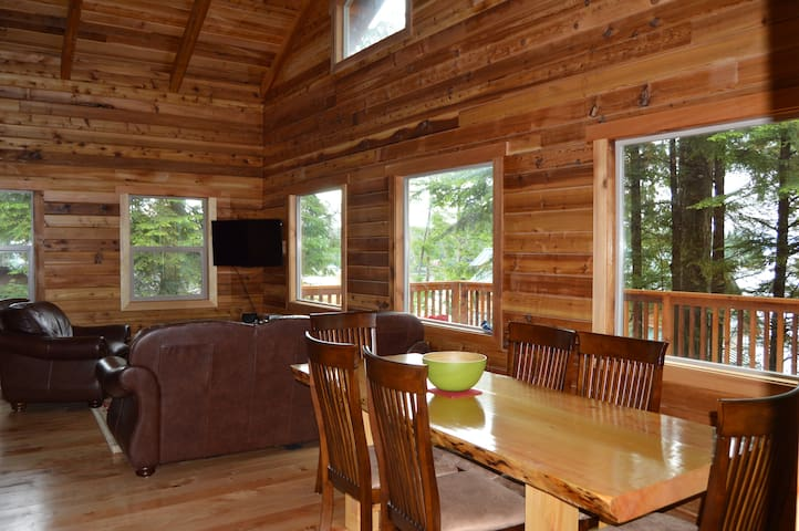 Kingfisher Cabin: Cabin, Boat, Van Package
