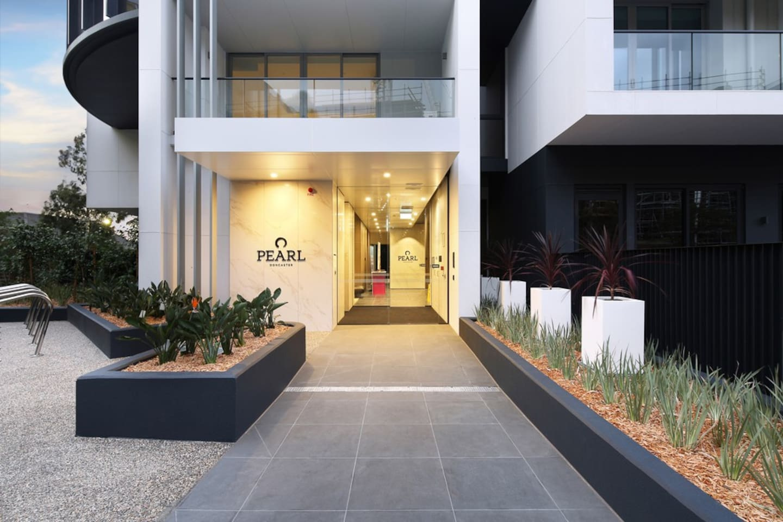 Pearl Apartments - Main entrance