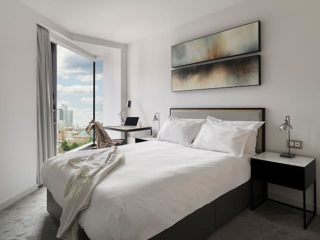 Master Bedroom With King-Sized Bed & Views Over Manchester