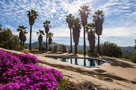 Relax @ Hacienda on 2.5 acres with pool and views! - Valley Center