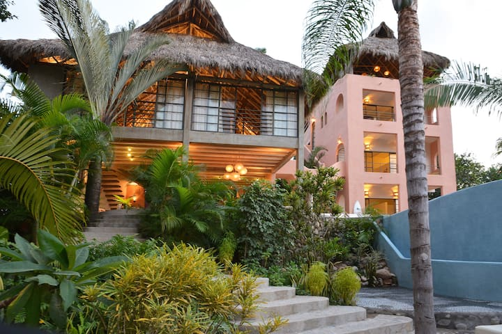 Designer Villa, ocean views and gorgeous interiors