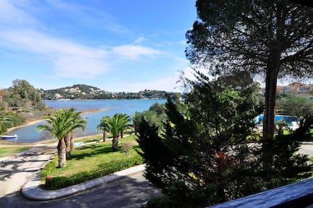 SEASIDE LOFT - Govino Bay - Gouvia / Corfu