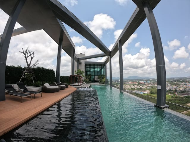 Essent Condo in Central Plaza Rayong