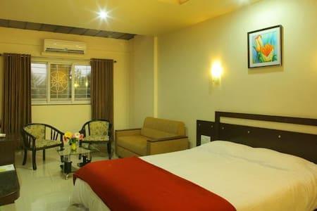 Hotel Icon Inn, Sangli Business Suite