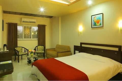 Hotel Icon Inn, Sangli Business Suite