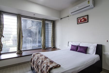 Comfortable & Spacious stay near Rcity Mall - Mumbai - Leilighet