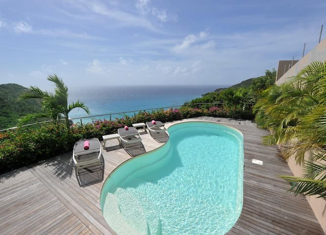 Breathtaking Views and Scenery, Private Swimming Pool with Sundeck and Loungers, Free Wifi