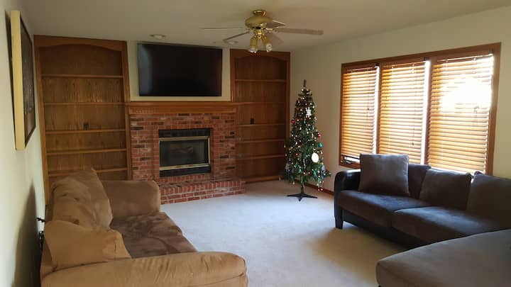 Beautiful comfy five bedroom home sleeps 11
