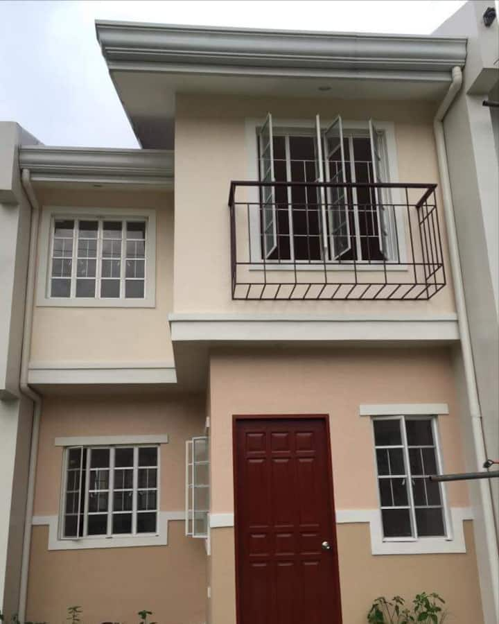 Townhouse with 2 Bedrooms & 2 Bathrooms