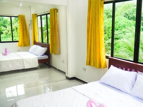 LOTI - Share Bathroom with Mountain View