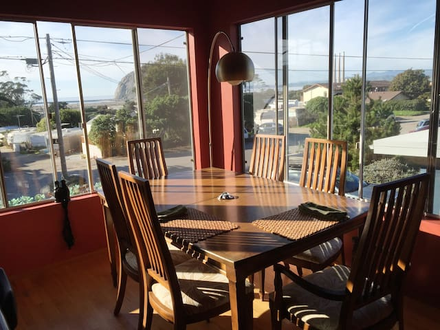 "Ocean and Rock View ~""The Nest""~ walk to downtown - Morro Bay - Appartement"
