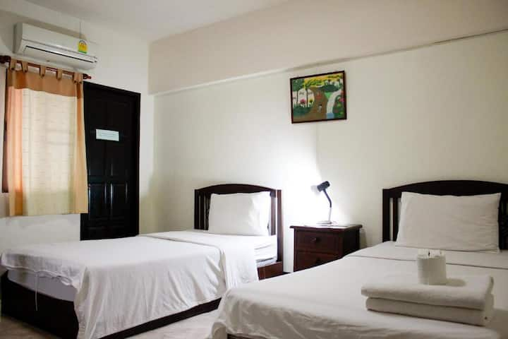 Standard Twin Room at Sripoom House 1