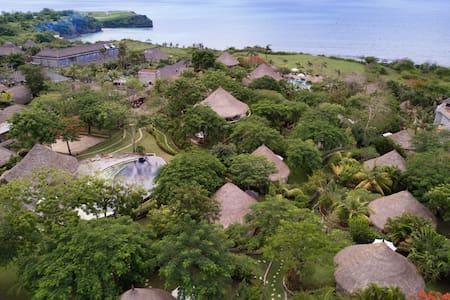 海边 - 茅屋顶传统巴厘岛石头小屋 - 南库塔(South Kuta) - 小平房