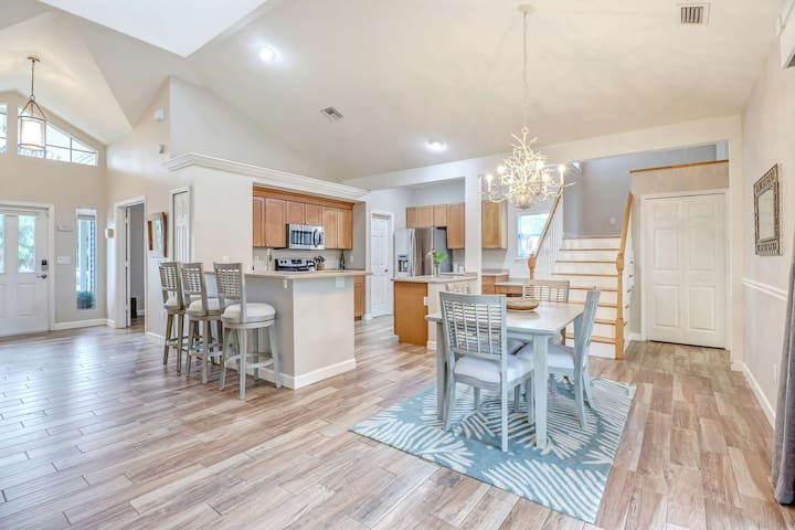 No detail has been overlooked in creating a perfect getaway! Gorgeous soaring ceilings, beautiful tile floors and TONS of natural light flood the home