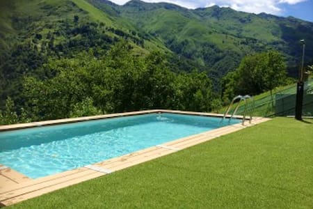 Hübsche Hütte mit schwimmbad & Wifi