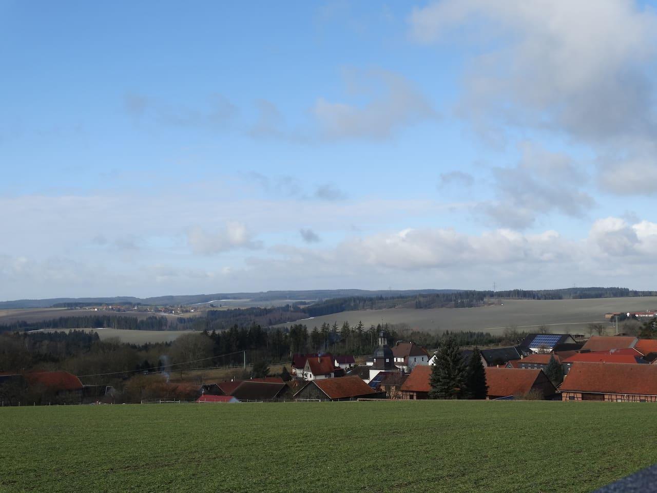 -Blick- weit ins Thüringer Schiefergebirge