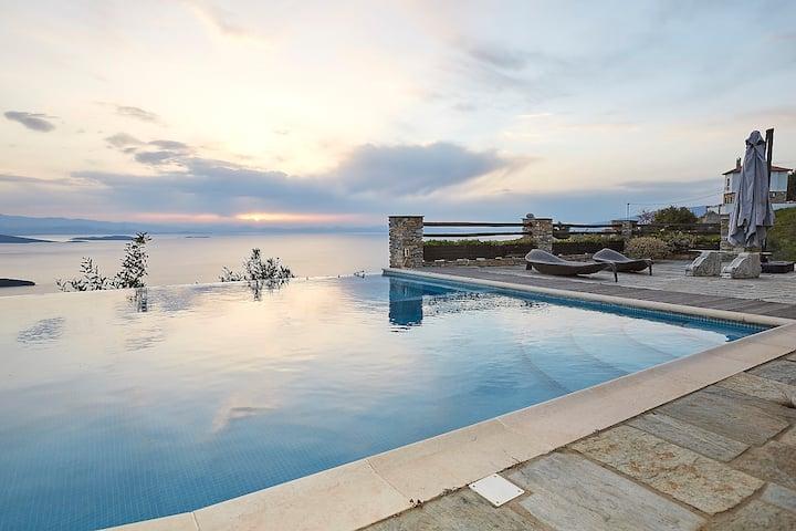 Black Diamond Luxury & Unique Villa Pelion