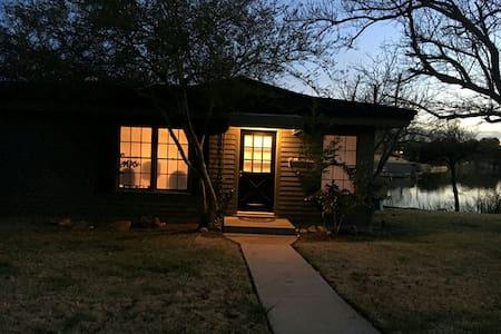 Lil' Art and Lake Haus - Abilene