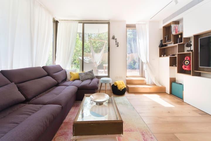 PETTY Garden Apartment