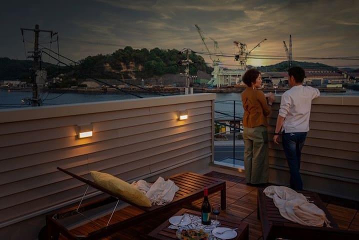 ★尾道駅徒歩2分!海の見えるroof top terrace貸切り別荘!最大8名様★