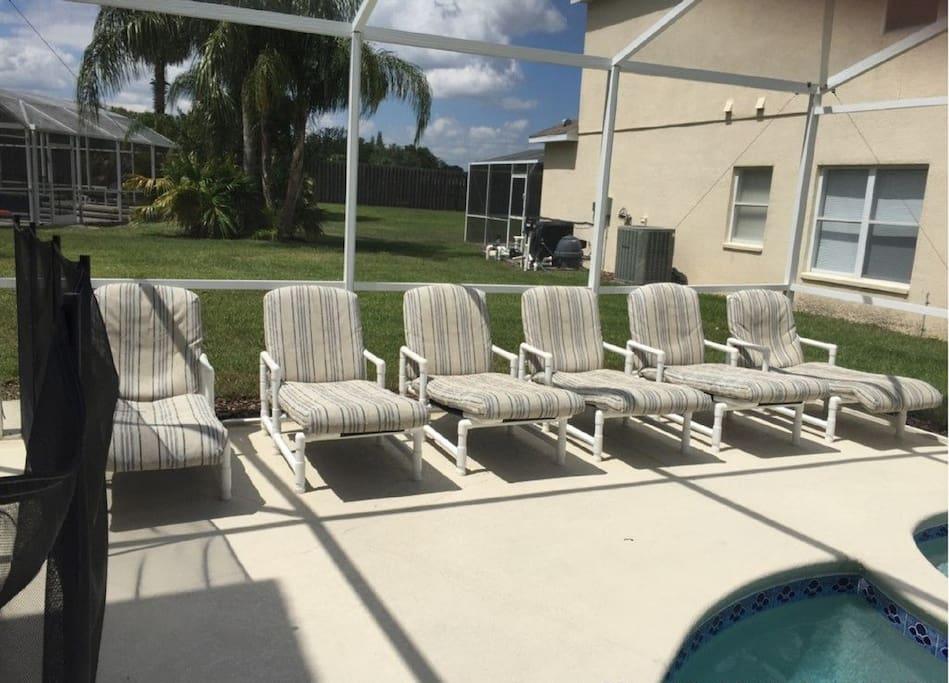 Sunbathing area