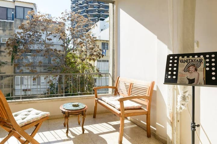 One bedroom in center TLV, close to everything!