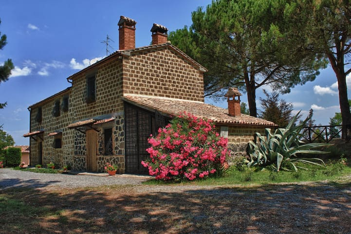 Ginestrella: quiet, freedom, relax into the nature - Torre San Severo - Villa