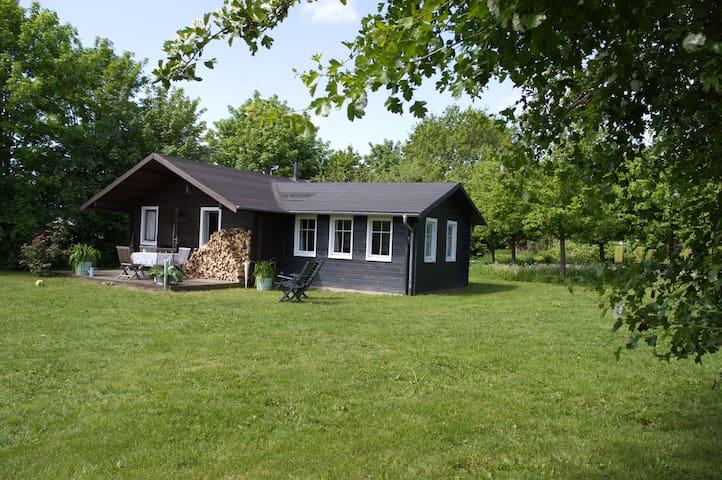 Bauernhof-Blockhaus an der Ostsee - Dassow - Kabin