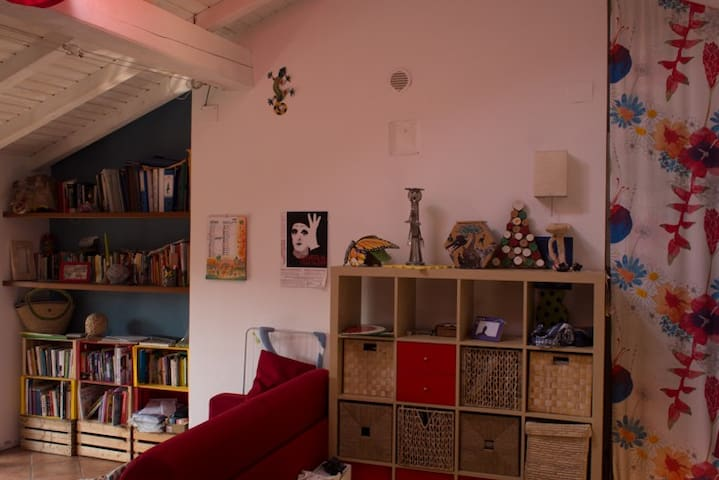 Lovely bright loft apartment - Paderno d'Adda - Apartamento