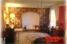 Large comfy room in Centre of Llangollen.