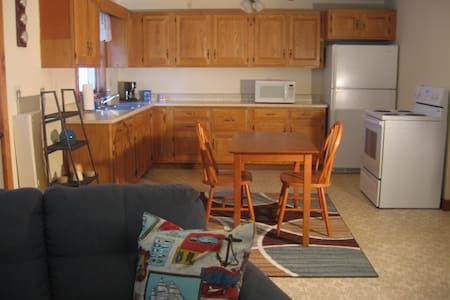 Charming one bedroom furnished apt. - Thomaston