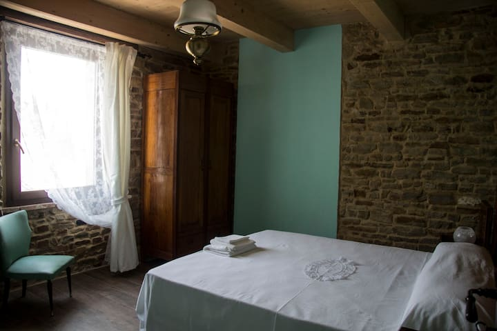 CameraVerde c/o bnb Le Viole - Mergo - Bed & Breakfast