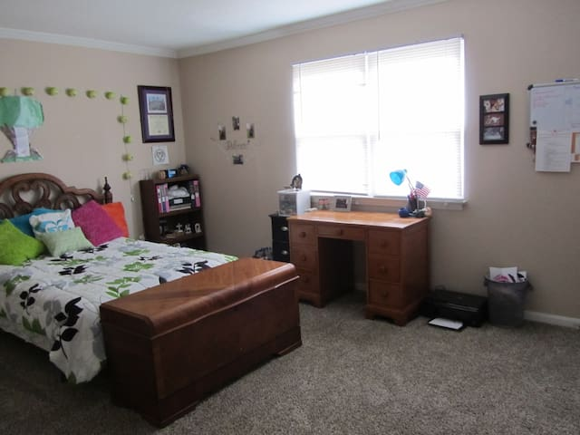 Clean cozy apartment in Spartanburg - Spartanburg - Townhouse