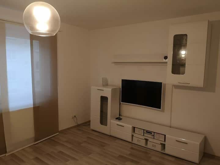 Gesamte Wohnung perfekte Lage nahe Bahnhof/Zentrum