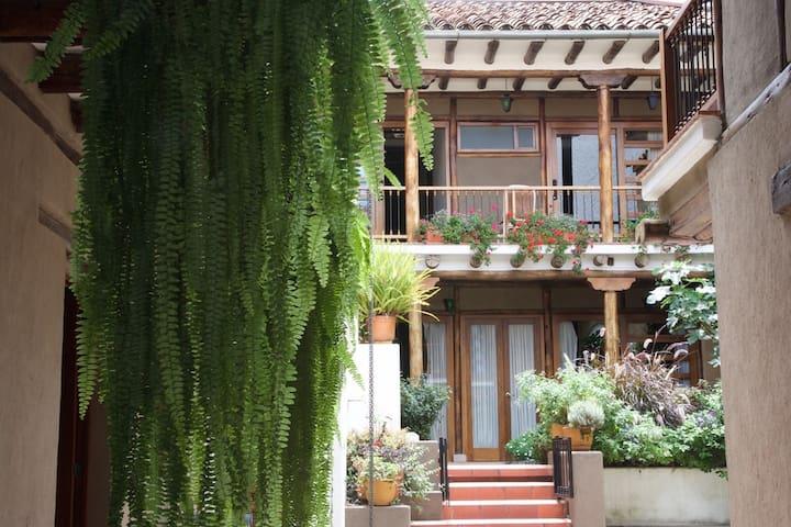 Charming 1-bedroom, historic Cuenca - Cuenca - Appartement