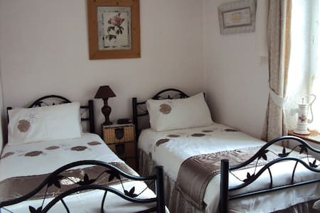 Les Weavers chambres d'hôtes B&B t - Saint-Adrien - Bed & Breakfast
