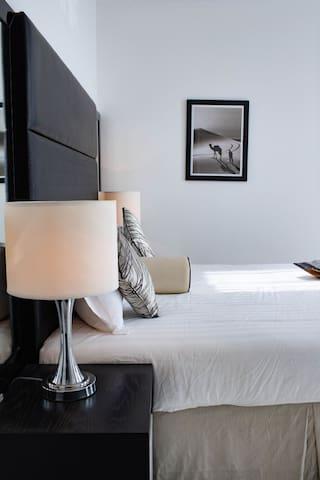 Luxury Furnished Studio Apartment @Roma D2