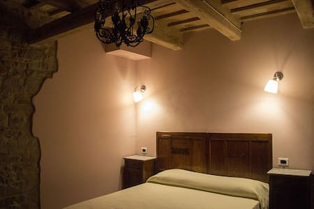 Camera Cipria c/o bnb Le Viole - Bed & Breakfast