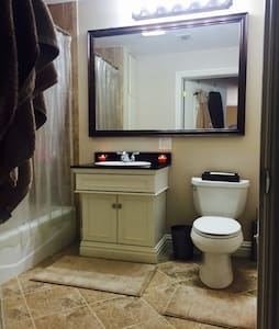 Sleek, Spacious & Clean! - Union City - Condominium