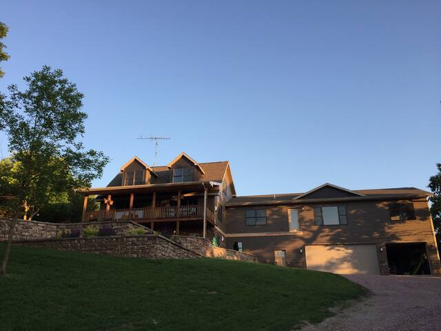 Brand new loft lake side retreat. - Crofton - Loft