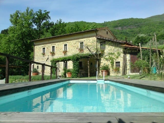 A Tuscan farmhouse with pool and a knockout view.