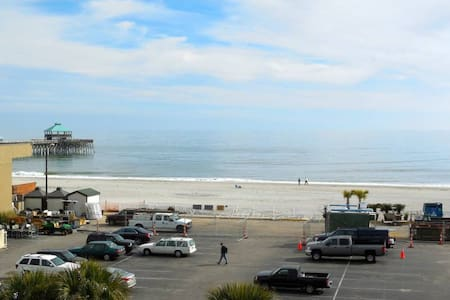 Folly Beach Condo w/ Ocean View - 富丽海滩(Folly Beach)