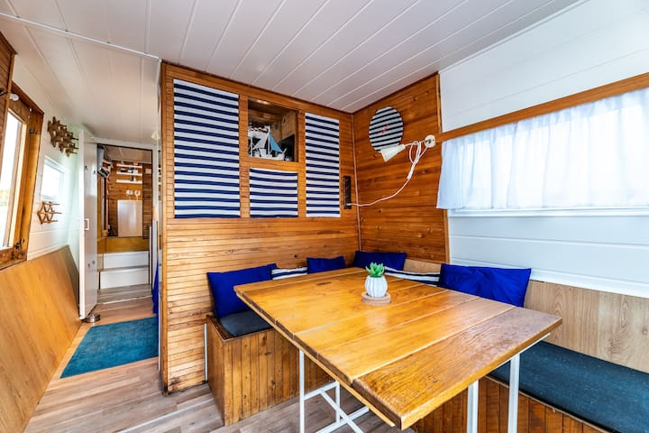 Cosy&stylish HOUSEBOAT♡Free parking@near center