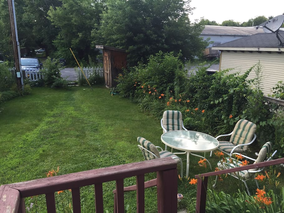 Ample backyard space with patio set