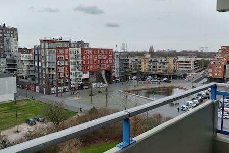 Comfortabel Hoekappartement te huur! - Dordrecht - Apartment