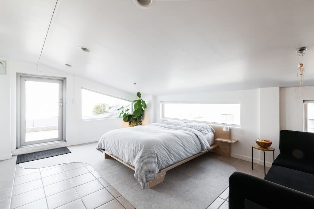 Designer s penthouse with terrace and skyline view for Piani di aggiunta della camera da letto del primo piano