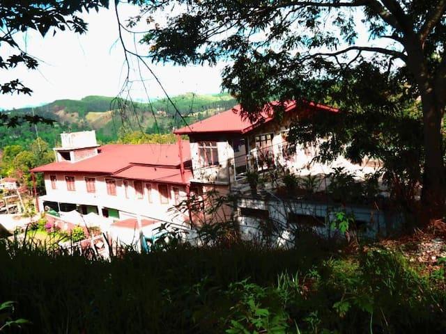 Kent Holiday Inn, Bandarawela - Bandarawela - Bed & Breakfast
